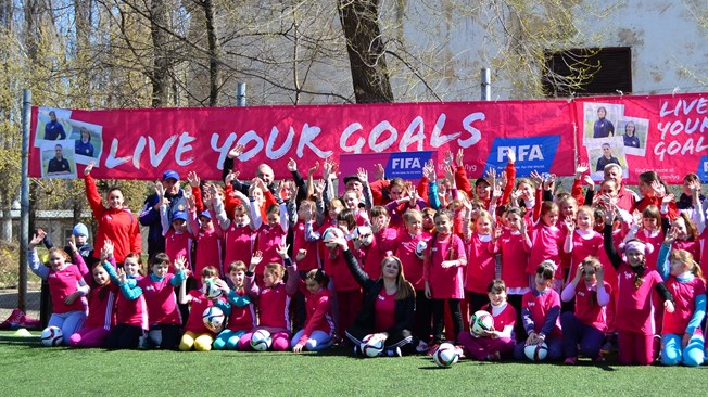FIFA's Live Your Goals Campaign and Women's World Cup Social Media Tips