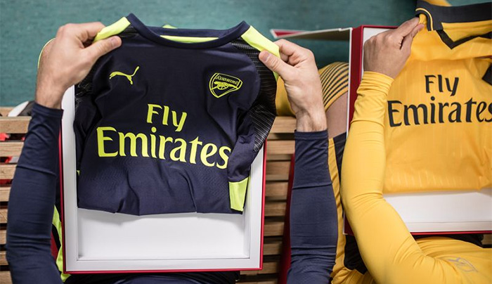 the latest 1d44b 40e46 Arsenal Launches 2016/17 Away & Third Kits in Los Angeles ...